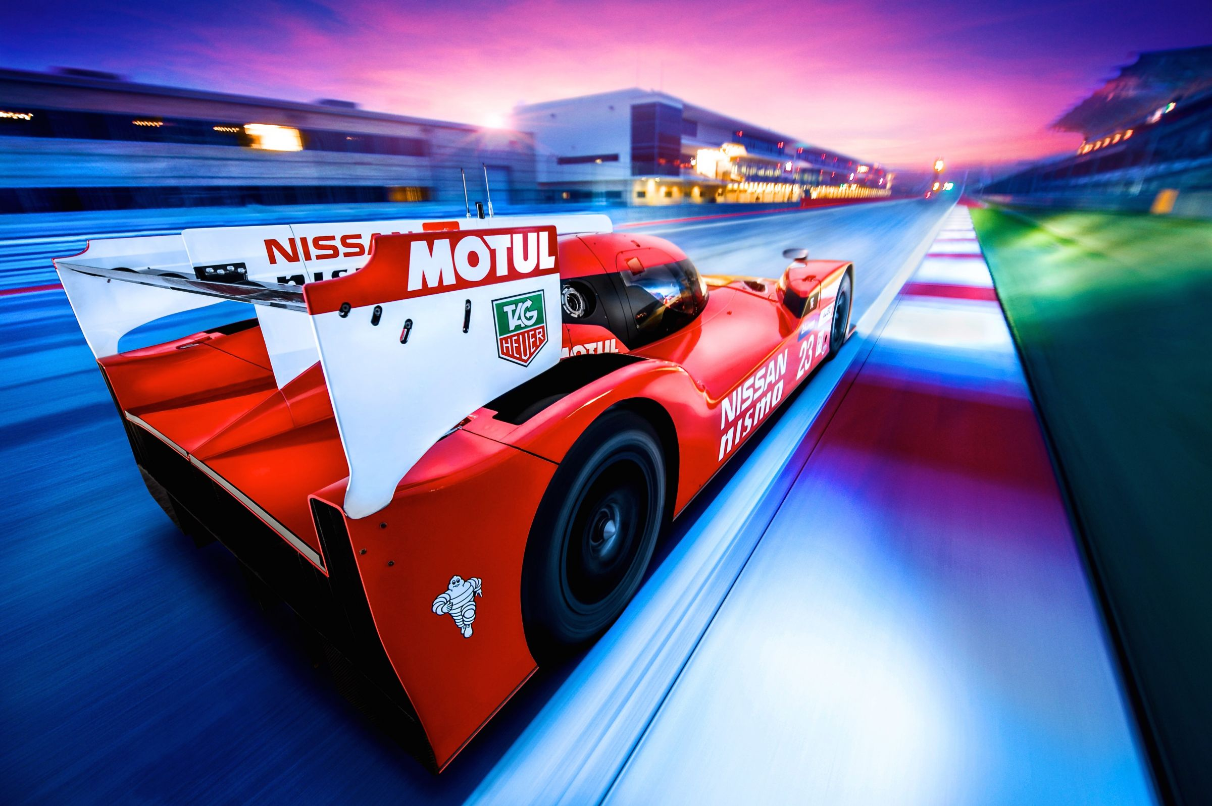 Nissan/NISMO turns LMP1 back-to-front