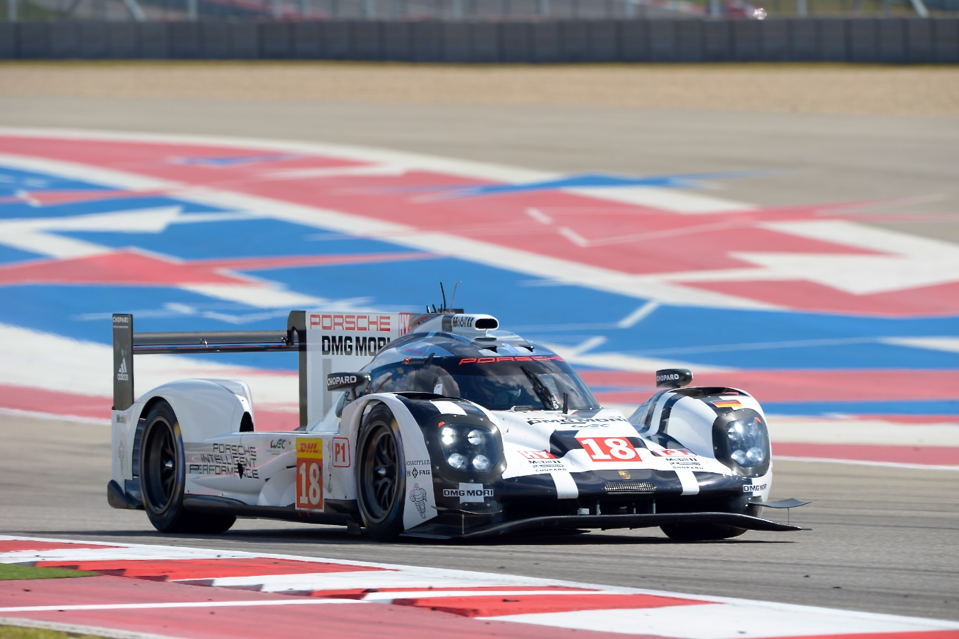 Porsche grabs early advantage