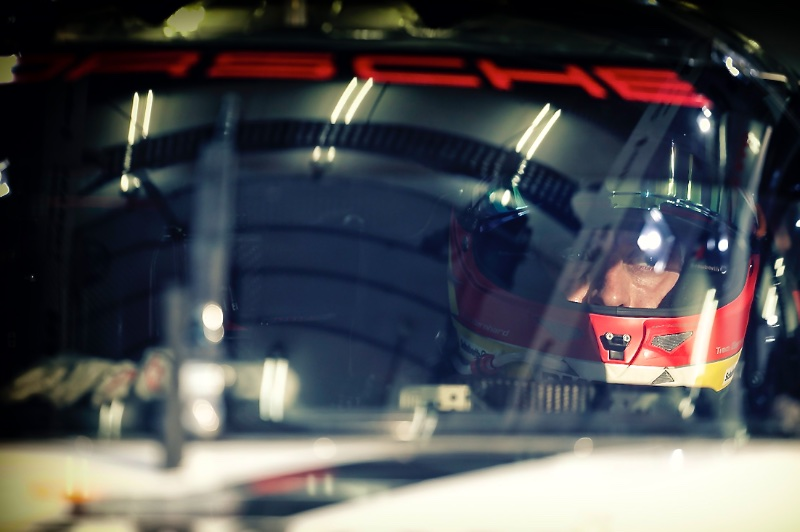 BERNHARD Timo (GER) Porsche 919 hybrid team Porsche portait ambiance during the 2015 FIA WEC World Endurance Championship, 6 Hours of Bahrain from November 19th to 21th 2015, at International Circuit of Sakhir. Photo Francois Flamand / DPPI