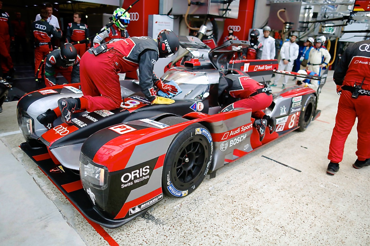Audi tops Le Mans test day times