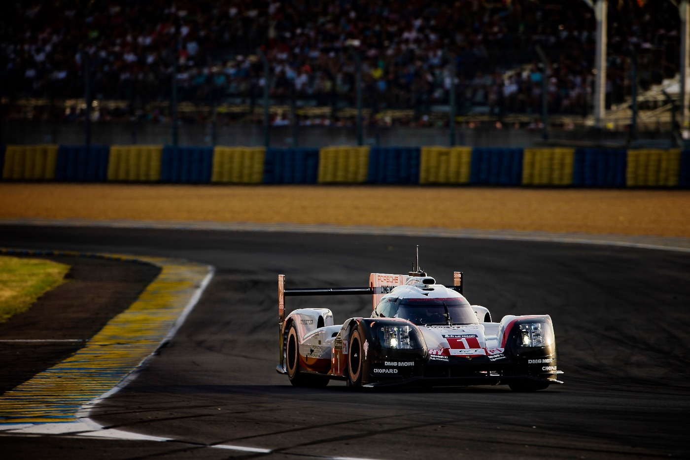 Porsche leaves LMP1, joins Formula E