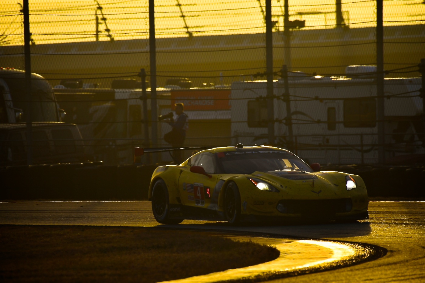 Rolex 24 download: Corvette