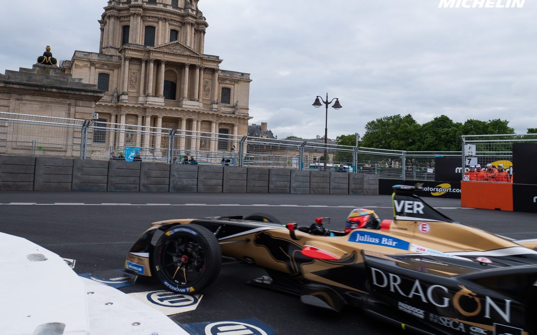 Vergne cruises while chaos occurs at end of Paris E-Prix