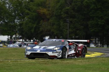 Rain That Fell In Between The Gt Daytona And Gt Le Mans Class Sessions Meant Teams Were Forced To Pick Between A Single Set Of Either Michelin Wet Weather